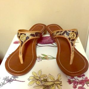 🔥Tory Burch Leopard Wedge Sandals!